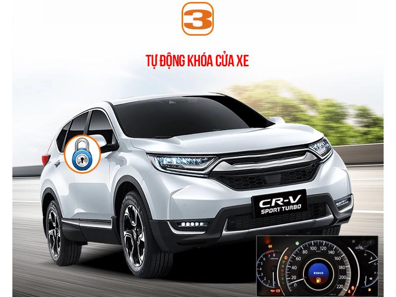 Hệ thống tự động khóa cửa xe khi tốc độ xe đạt đến 15km/h, hoặc bạn có thể chọn tự động khóa cửa khi xe ở số D (tùy chọn)