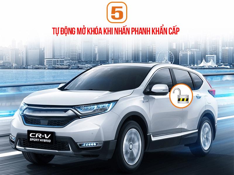4 cửa sẽ được tự động mở khóa khi tốc độ xe đạt tới 60km/h và lái xe nhấn phanh khẩn cấp trong vòng 1.5s