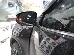 Hệ thống cảnh báo điểm mù BSM-01M được lắp trên Toyota Fortuner