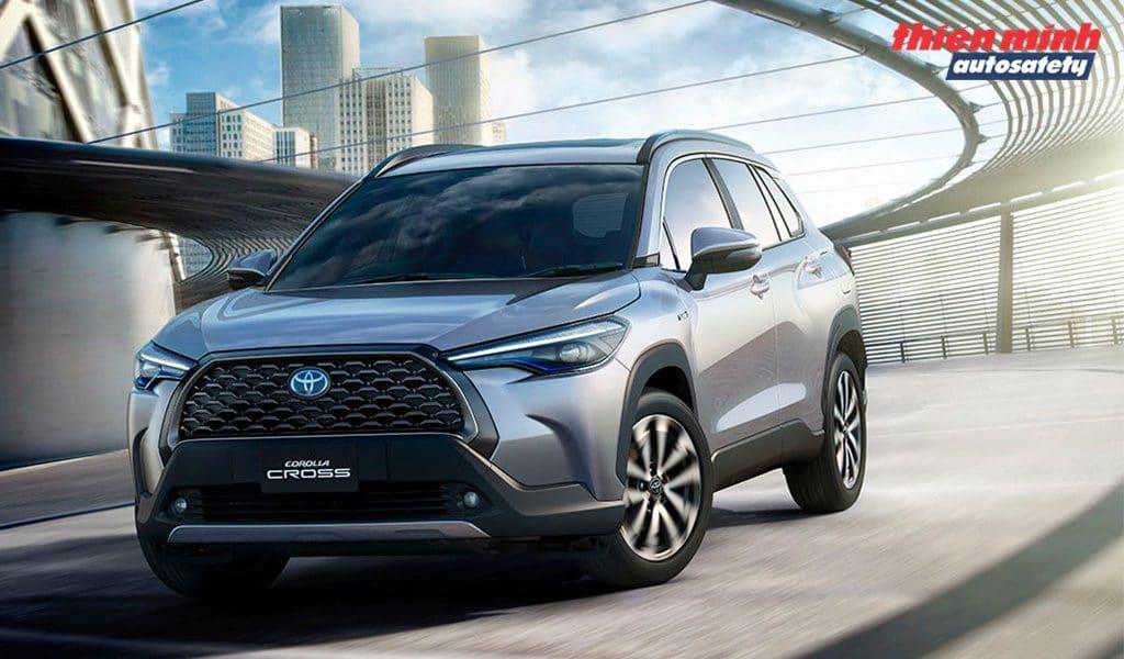 Trang bị cốp điện Autosafety cho Toyota Corolla Cross 2020