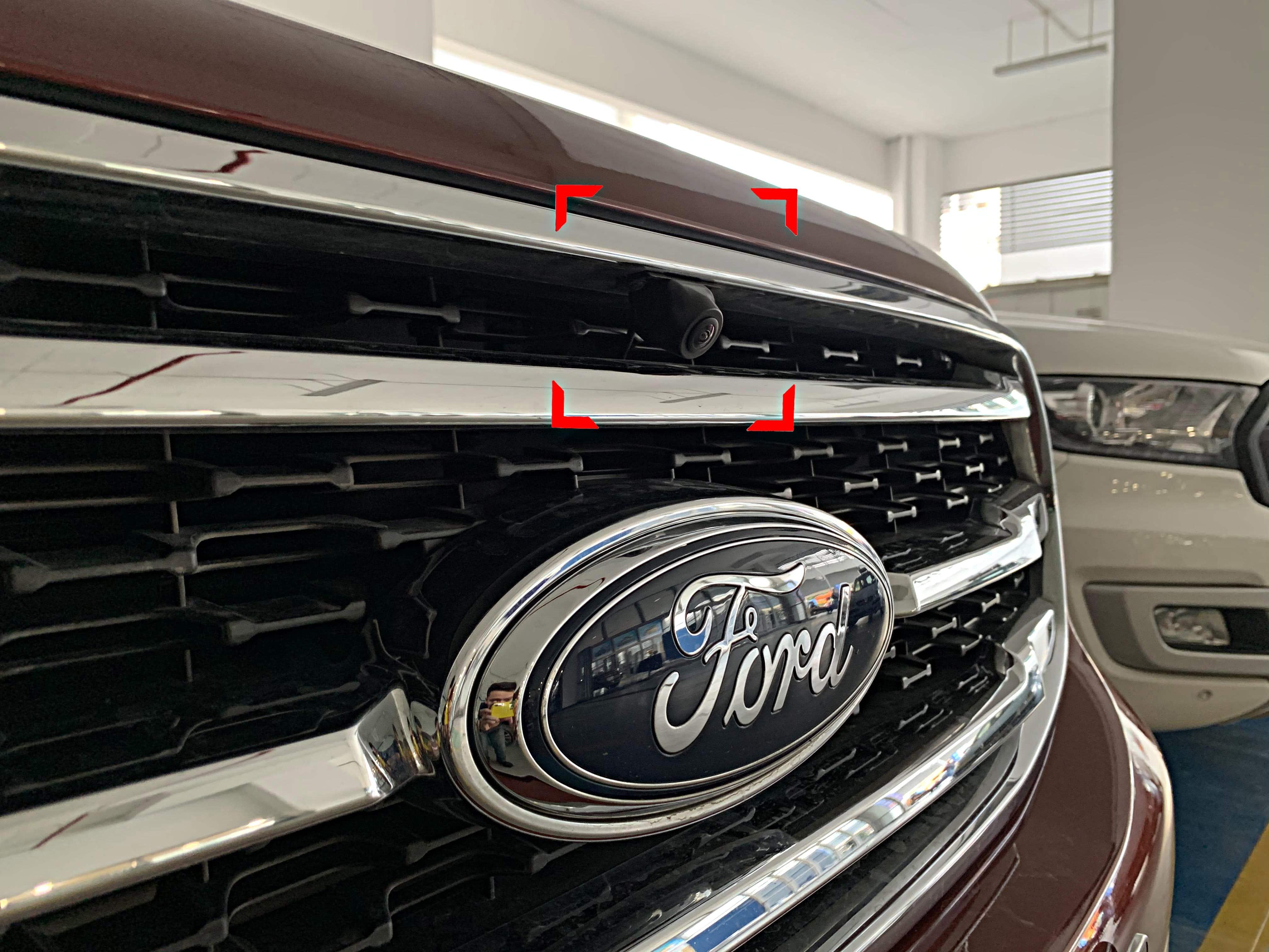 Lắp đặt Camera trước cho xe Ford