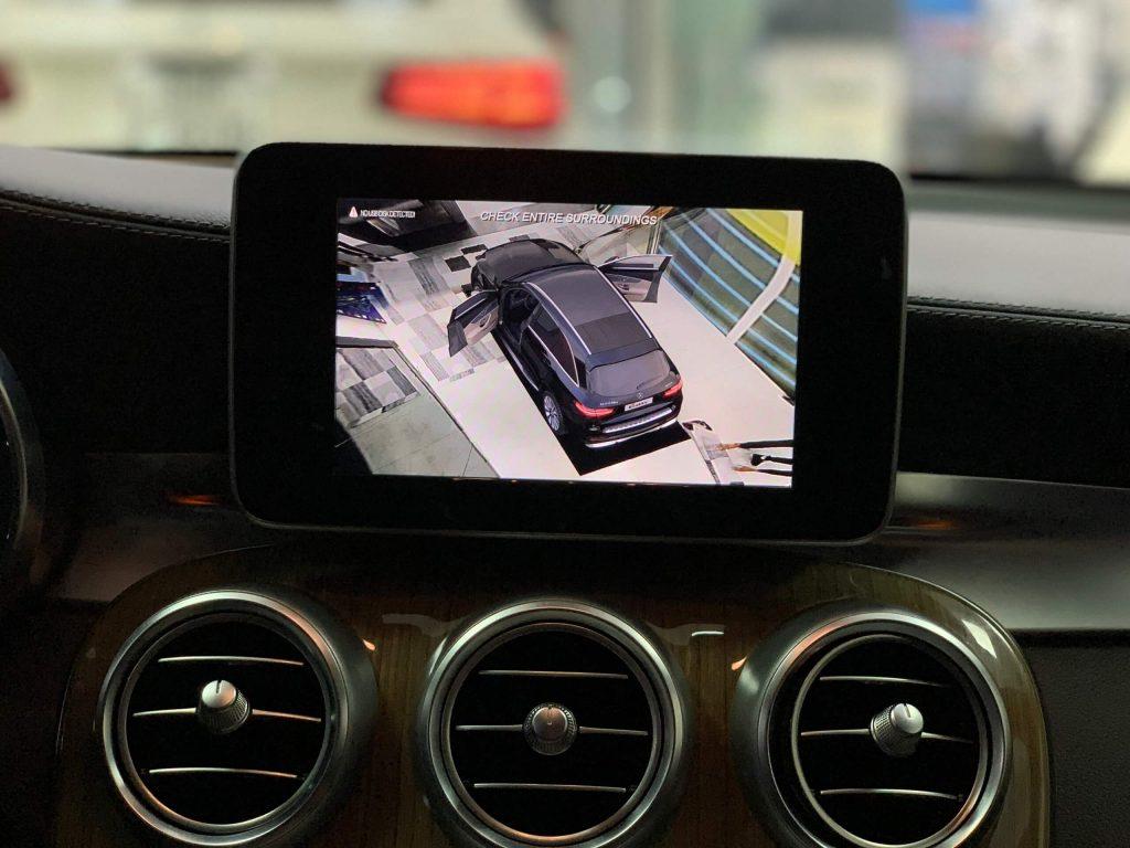 Camera-360-xe-Mercedes